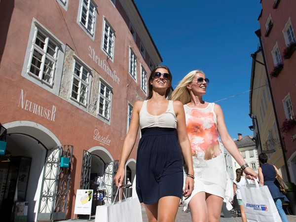 Shopping in Bruneck